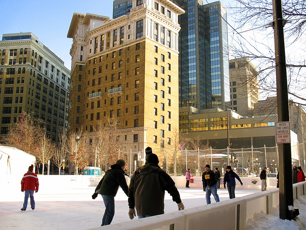 St Paul S Outdoor Ice Rink In Rice Park - Outdoor Designs